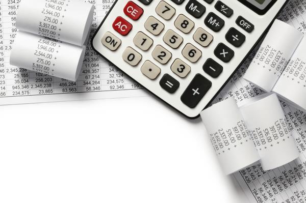 Calculator and finances_12290