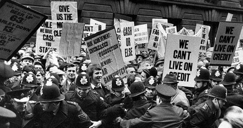 Norfolk 100 - farmers protesting in support of the NFU price negotiations with the Ministry of Agriculture in 1970_58611