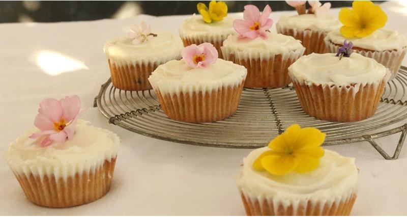 Recipe - Miranda Gore Browne - Spiced carrot and honey fairy cakes_72114