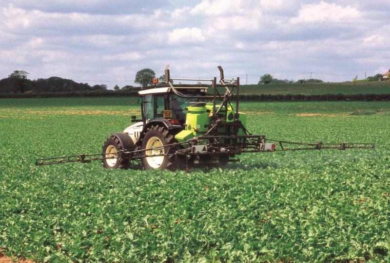 crop spraying_7704