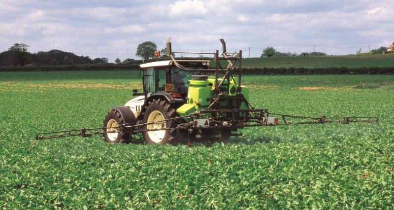 crop spraying_7704