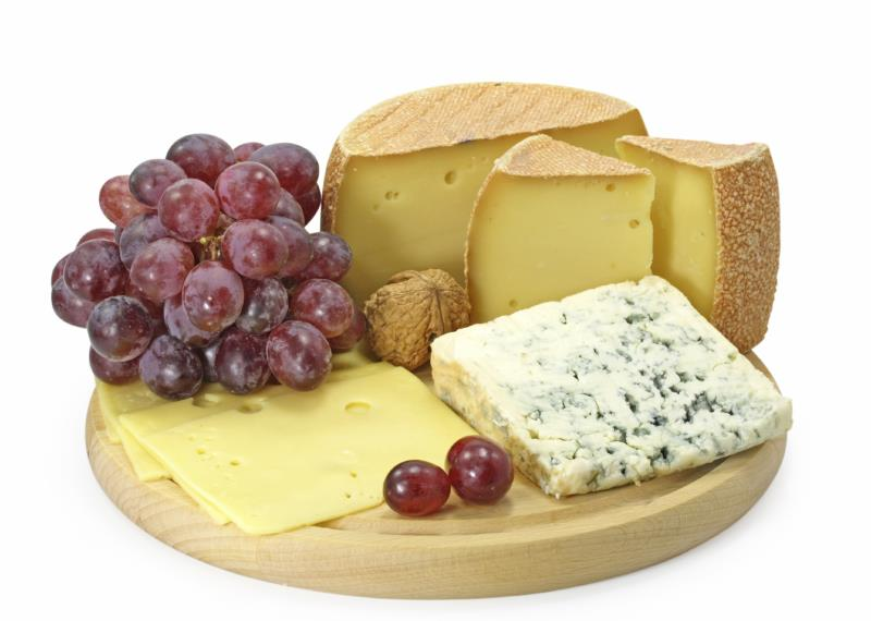 Cheeseboard with grapes_11063