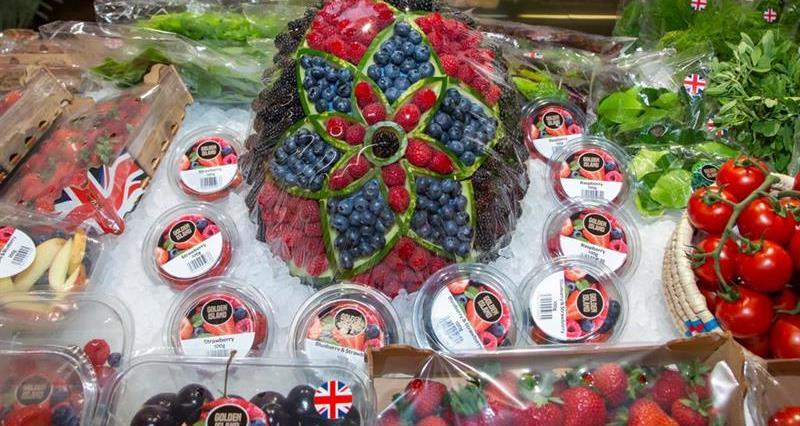 Fruit, blueberries, strawberries, tomatoes, herbs_74483