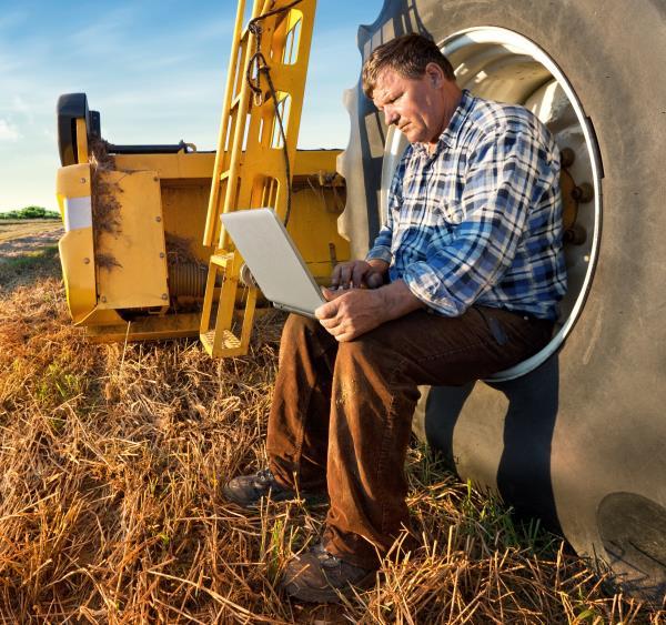 laptop farmer tyre_19533