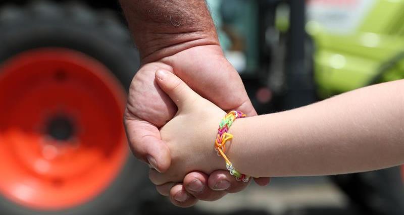 Children farm safety_72830