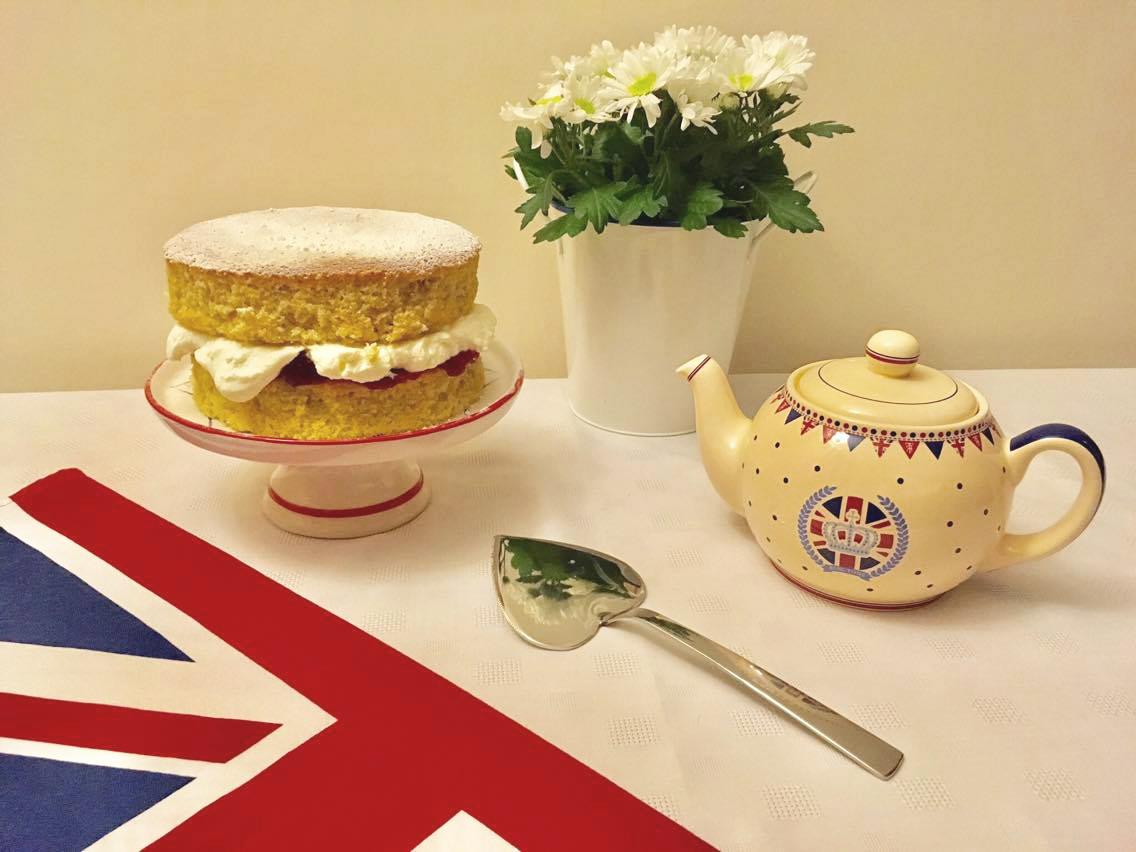 British Victoria sponge