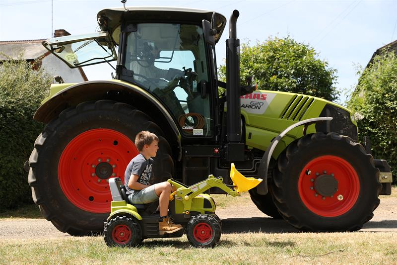 child toy tractor_59392