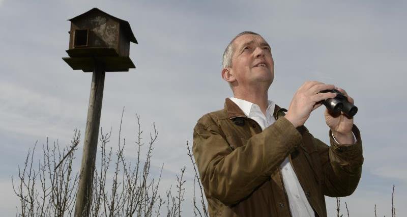 Guy Smith birdwatching_27767