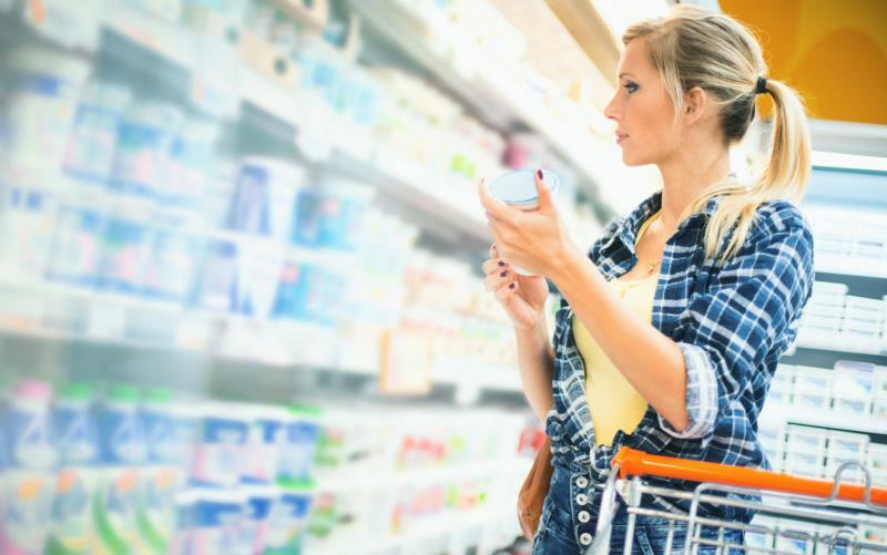 Woman in supermarket_37804