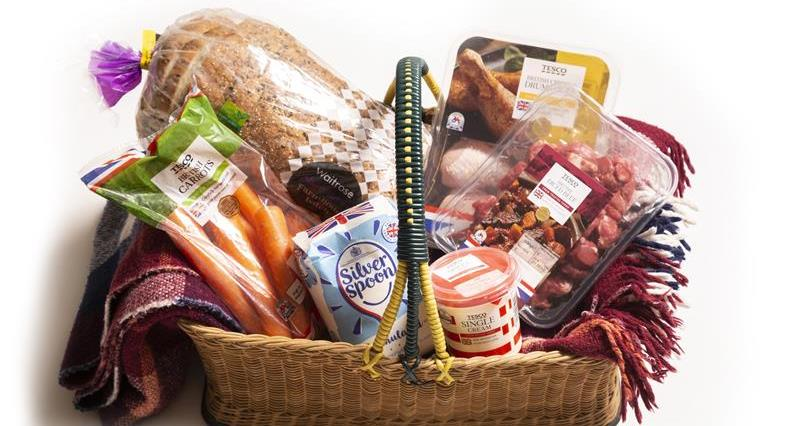 Basket of food_65810