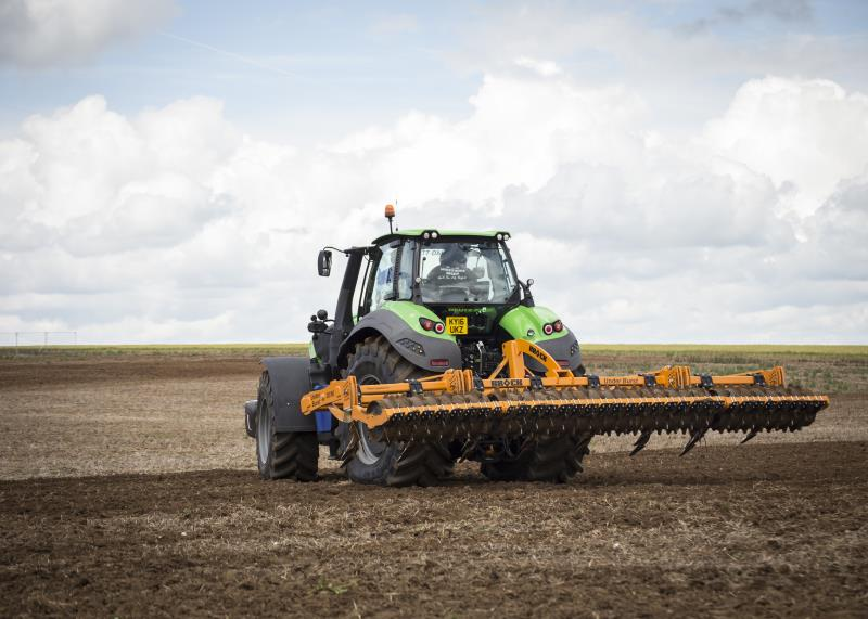Farm machinery, Cereals 2016_35355