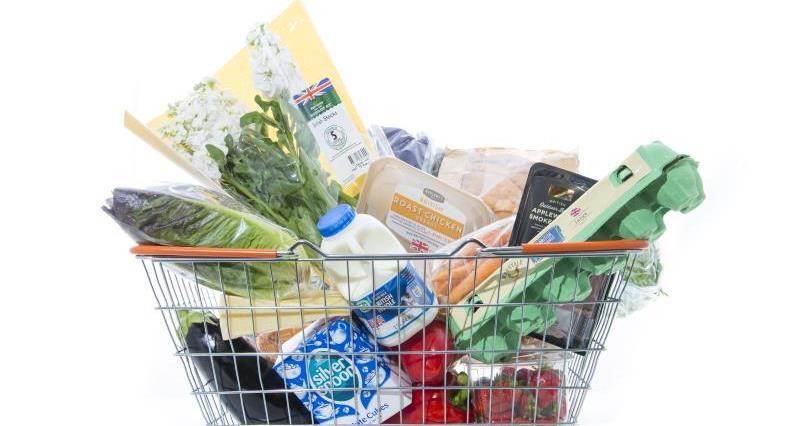 Shopping basket of food_46265