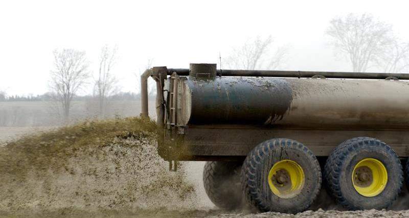 Muck spreading in action_21976