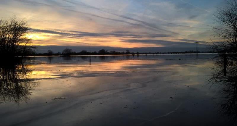 Sunset over flooded fields near York_31900