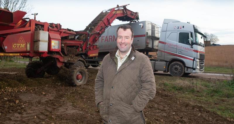 Stuart Roberts and Sugar haulage_59414