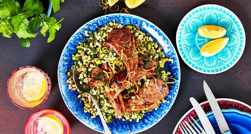 Sticky maple-glazed lamb chops_67659