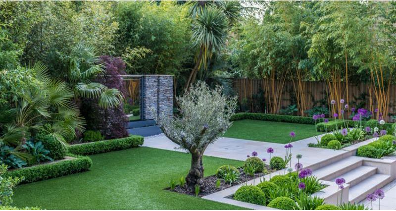 Artificially turfed garden_59001