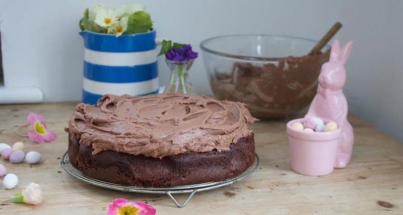 Miranda Gore Browne's chocolate Easter cake_72629