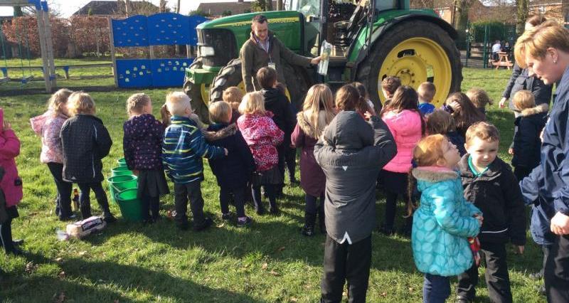 Tractors into Schools, Lincs_33086