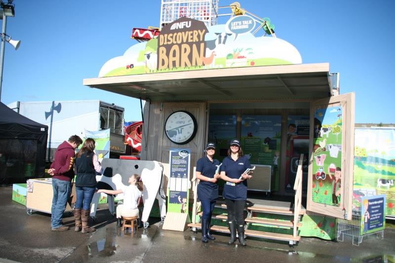 Nottinghamshire County Show 2017 Discovery Barn_43760