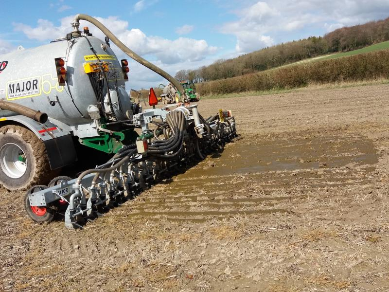 Slurry spreading trailing shoe _52941