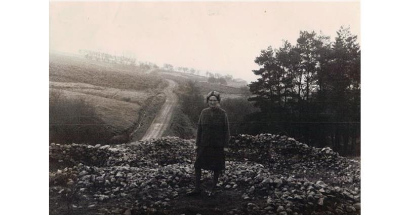 Epynt: Ceinwen Davies with the remains of Gwybedog _73910
