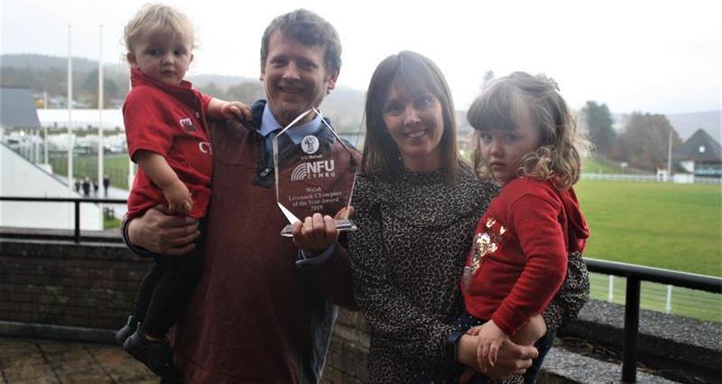 Livestock Award - Gary & Meinir Howells, Dafydd and Sioned _70693