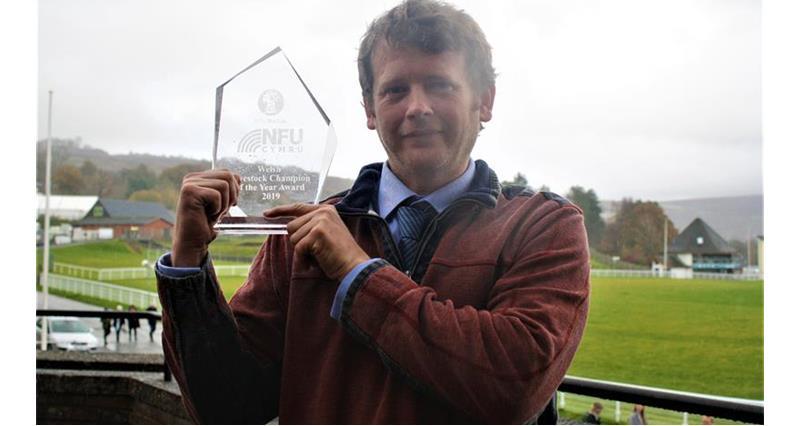Livestock Award - Gary Howells _70694