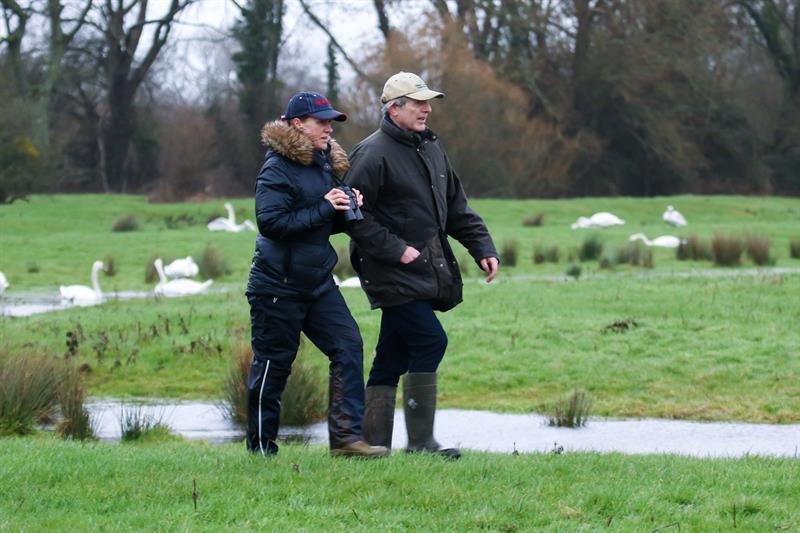 Big Farmland Bird Count 2019 GWCT journalists on farm_60991