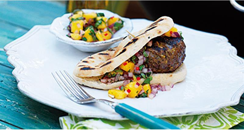 Asian spiced burgers with mango salsa_69014