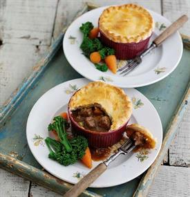 AHDB beef and ale pot pies_60946