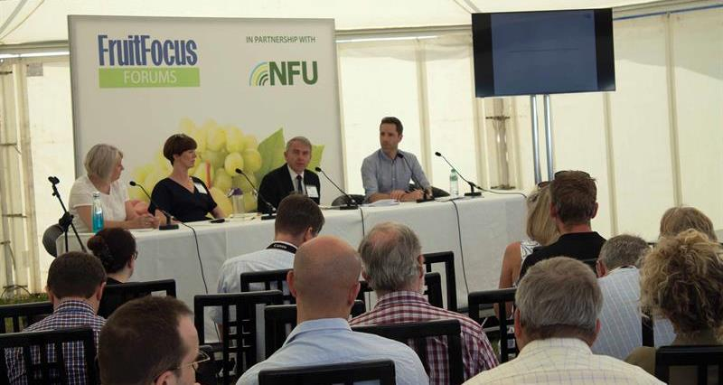 Robert Goodwill MP at Fruit Focus_67233
