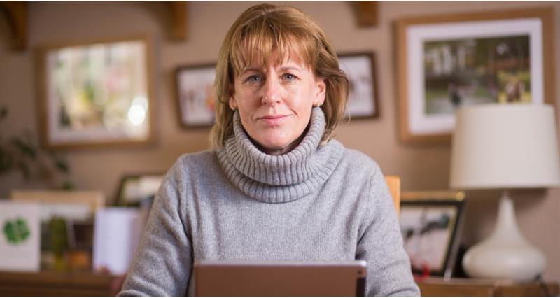 Minette Batters laptop web crop_66768