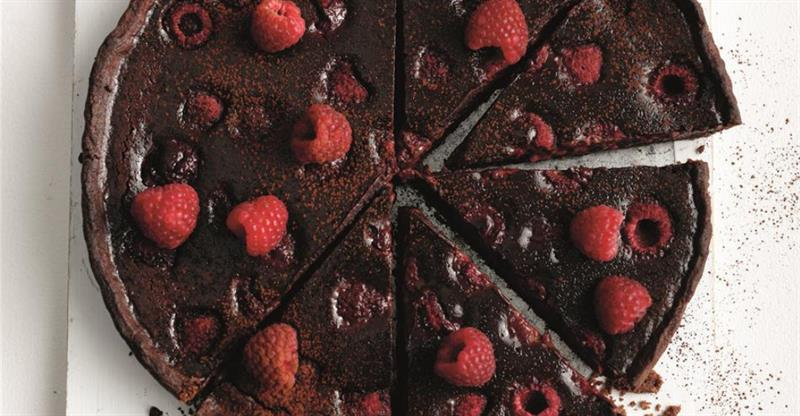 chocolate and raspberry tart_58733