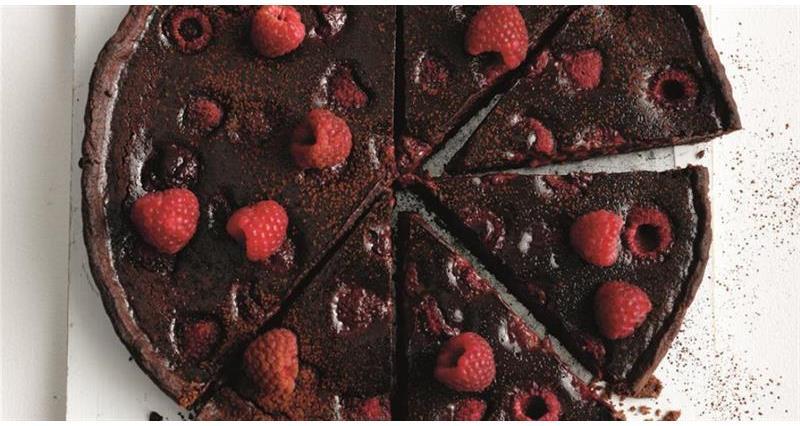 chocolate and raspberry tart_58733