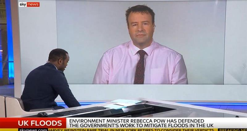 Stuart Roberts discussing flooding on Sky News_72186