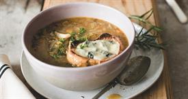 onion soup with cheese on toast_71656
