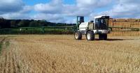 sprayer on stubble, crop protection, glyphosate_40229