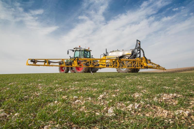 chafer sprayer, pesticides, glyphosate, pest, arable, machinery_35599