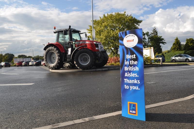 Red Tractor week Leamington Aldi_30051