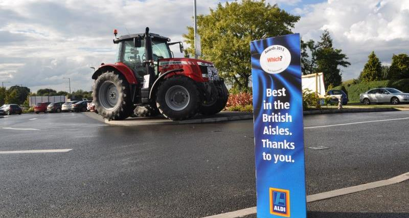 Red Tractor week Leamington Aldi_30051