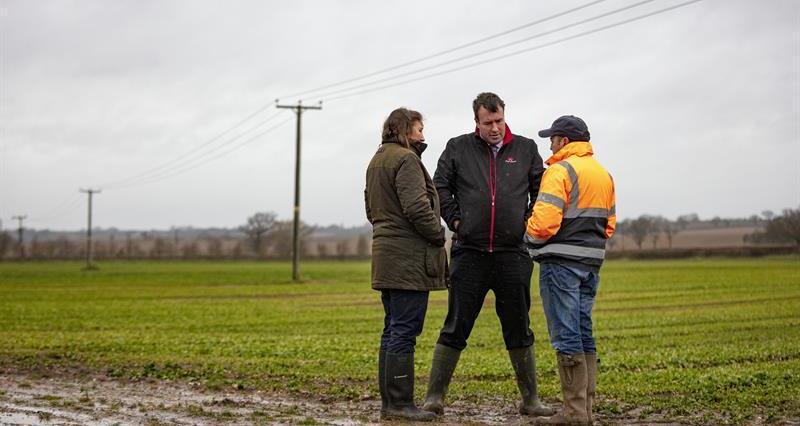 Stuart Roberts member visit flooded farm_72662