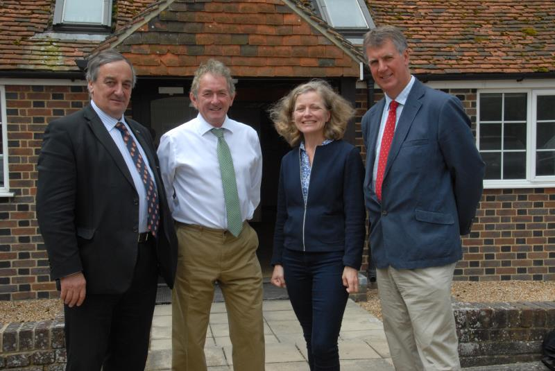 Meurig Raymond with Environment Agency in South East_35210