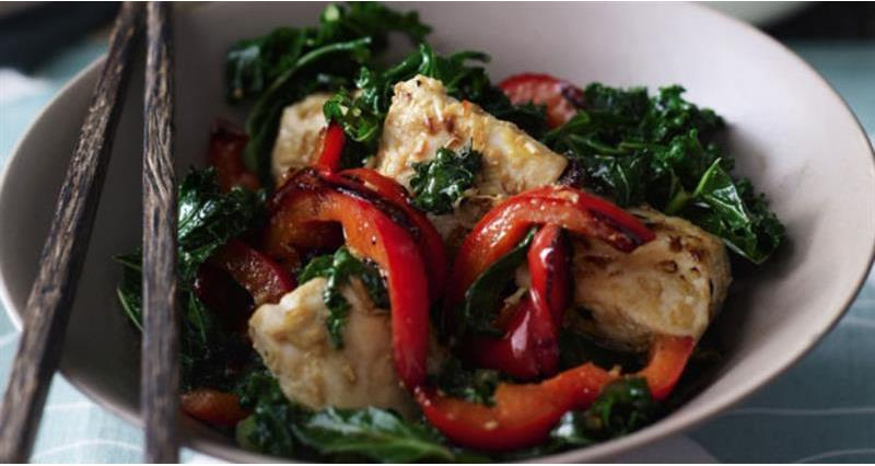 Chicken stir fry with kale and lemongrass