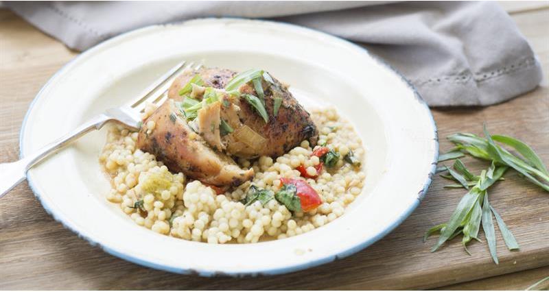 Chicken in sherry vinegar and tarragon sauce