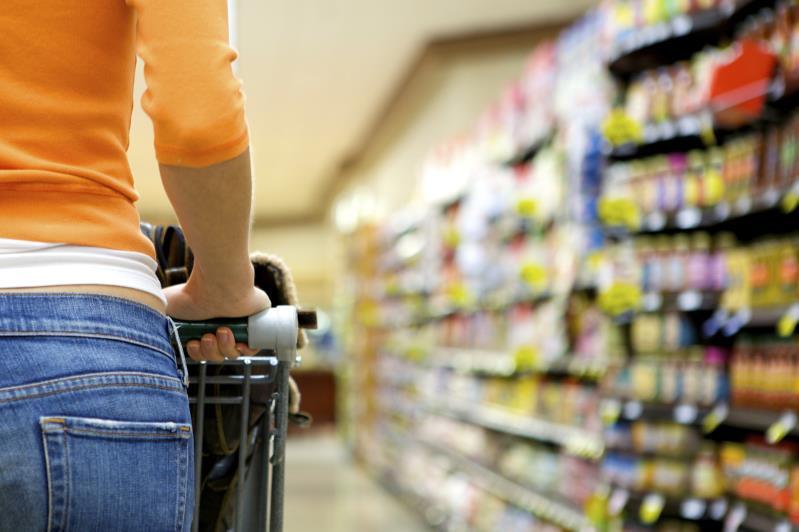 Supermarket shopper_11482
