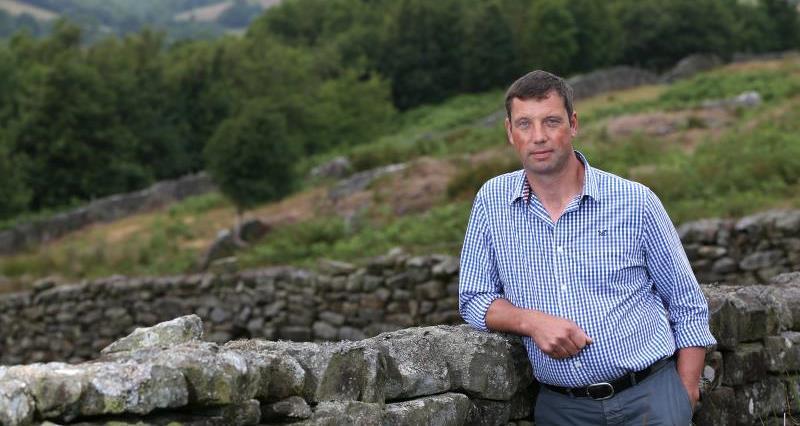 Richard Findlay on farm July 2018_55347