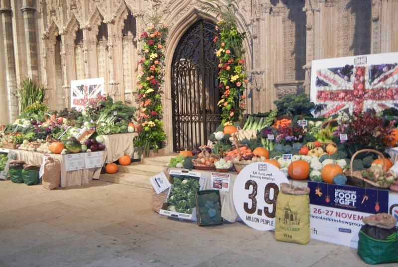 Produce display Lincoln Cathedral 2016 7_38321