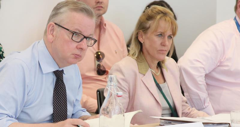 minette batters and michael gove at agricultural drought summit 1 aug 2018_56488