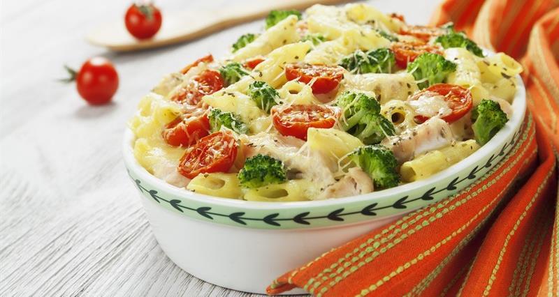 Turkey and broccoli pasta bake